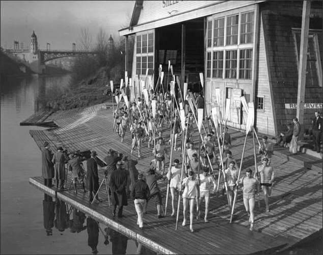 n.d. - UWDC - Shell-House_rowers-getting-ready-on-apron1